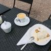 Kaffe och äppelkaka, mycket gott.
