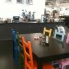 Kafét ligger inne i second hand-butiken.