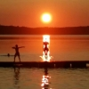 En häftig solnedgång på Odensvi camping . Julia och Tobias