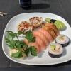 Mellan -räka och tonfisk  tofu