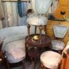 Äldre stolar, soffa och bord