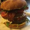 Regnbågsdalens populära Hang Over Burger