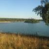 Den stora av sjöarna (badsjön) med den lilla ön