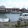 Knippla hamn med Gilla Antikt & Nytt (på andra sidan hamnen)