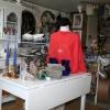 Inne i butiken - Gilla Antikt & Nytt