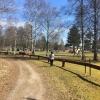 På promenad längs med campingen