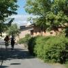Promenadväg utanför elevboendena.