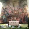 Muralmålningen i koret är utförd av konstnären Hugo Borgström, bror till arkitekten.