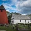 Norra Härene kyrka med klocktorn