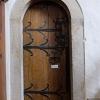 Sakristiedörren från 1200-talet. (På lappen står: ´Rör ej / Don't touch´.)