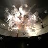 ljuskrona i glas