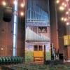 Orgel t.v. om altaret