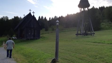 Hållandsgårdens stavkyrka