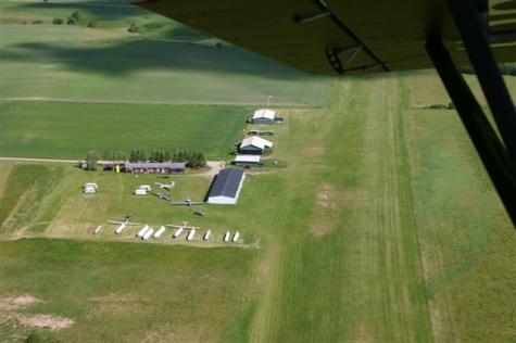 Alingsås flygfält , Vallen