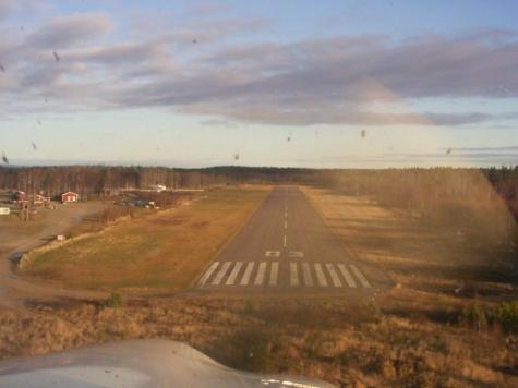 Laxå (Vena) flygfält