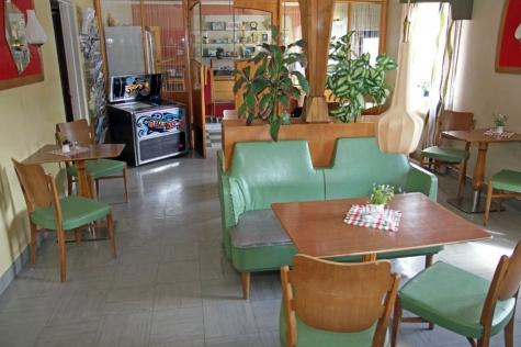 Hälla Café och Hembageri