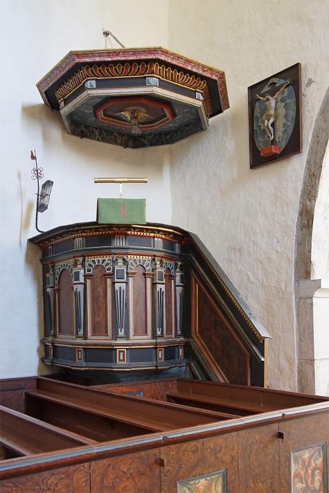 Hellvi kyrka