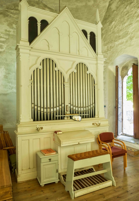 Sproge kyrka
