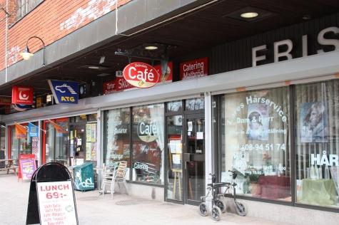 Sköndals Café å lite till