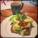 Supergod ostsmörgås med gott kaffe till!