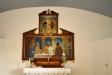 Predikstolens skulpturer är verk av Arvid Bryth