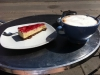 Kolla storlek på min chai latte ;)