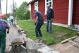 16 juni Tord Rosén vattnar Harald Larsson bär fram den sista biten Stellan o Lars stampar till