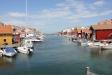 Vy över hamnen i Gullholmen