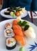 10-bitars sushi för 70 kronor vid lunchtid.