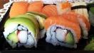 Vackert och gott! (Även om jag tycker att surimi är lite som fiskbullar eller fiskpinnar...)