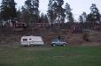 I april är det ödsligt på campingen i Ulrika. En sjö finns precis bakom fotografen.