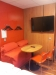 Stor tv & matplats i rummet