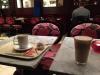 Kaffe och Chai Latte med chokladboll 98 kr