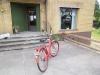 Bra parkering för cyklar o MC.