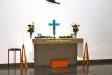 predikstolen och glasfönster.