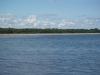 Ekevikens badstrand sett från båt.