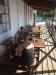 Cafe med sjö utsikt
