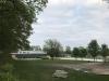 Bygger nya vattenrutschkanor . Utsikt från ett hörn på campingen .