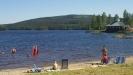 Badplats belägen bredvid SPA i bild och nära camping och stugby