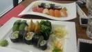 10 bitar sushi
