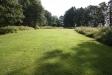 Stora välklippta gräsytor.