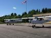 Borås Ultralätt Flygklubbs två SILA 450C flygplan uppställda på plattan.