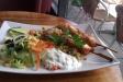 Lunch med kycklingspett.