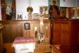 Till höger om altaret på (vad jag tror) dopfunten