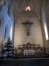 Krucifix är tillverkat av Gunnar Torhamn och altarskåpet av Erik Jerke.