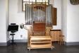 Orgeln på läktaren i västra korsarmen  invigdes år 1830 och har nu ca. 44 stämmor.