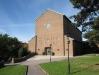 Essinge kyrka uppfördes med tretton skulpturer i fasaden 1957-58 September 2010