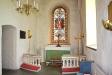 Det vackra korfönstret och altaret.