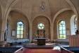 Bonaden bortom altaret är gjord av Helgeandsystrarna i Alsike kloster.