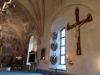 Det stora triumfkrucifixet från 1200-talet på södra väggen hängde en gång i triumfbågen